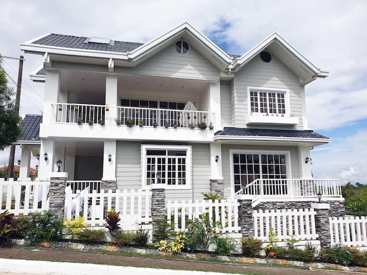 Z Family Rest House at La Prairie Tagaytay
