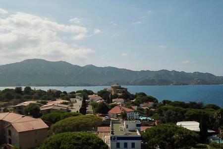 Magnifique T4 duplex 150m2 vue mer à Saint-Florent