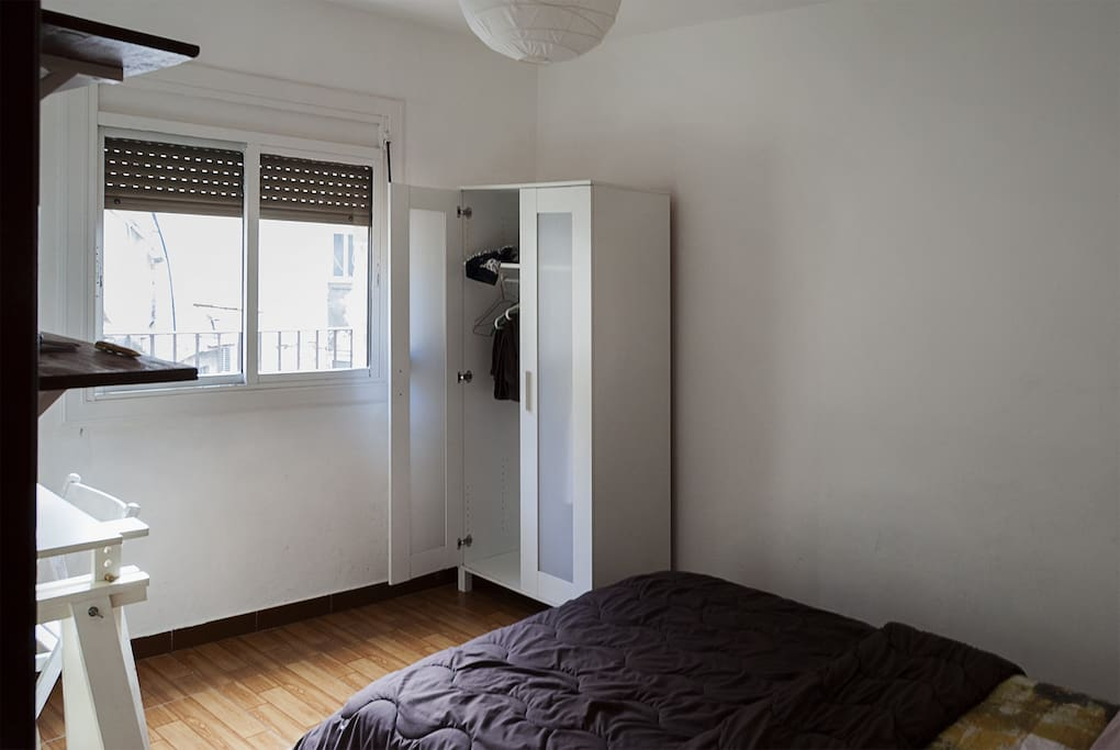 Sunny Room In Raval Center Apartments For Rent In Barcelona Catalunya Spain