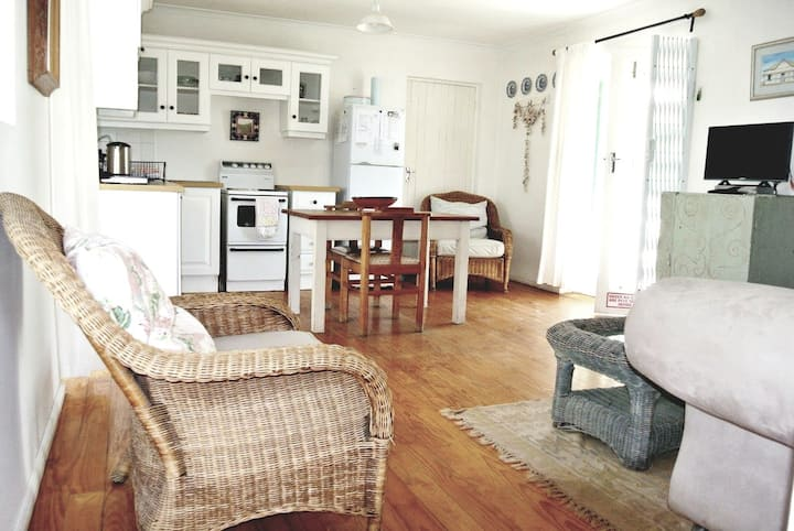 Die Opstal's Studio Apartment in Paternoster