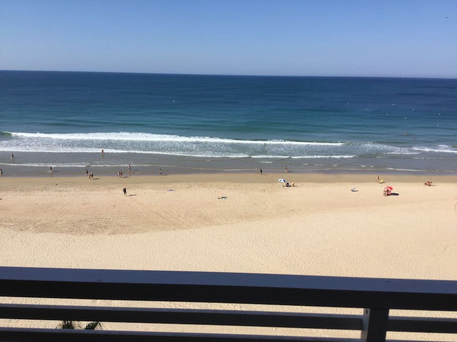 Aquí desayunamos mirando a la playa