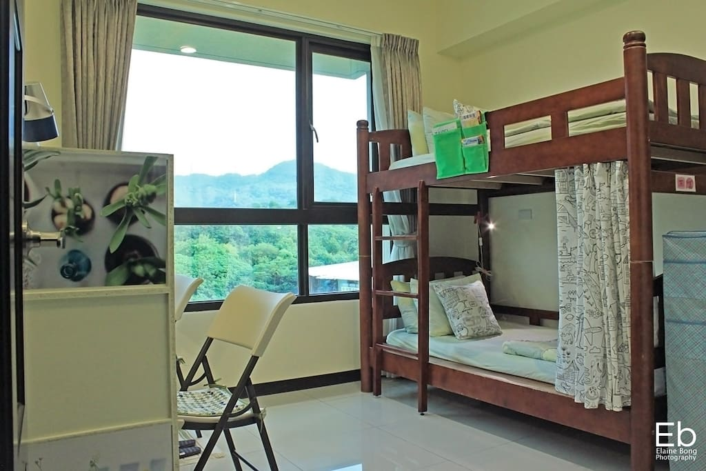 Overview of 2 Beds Room