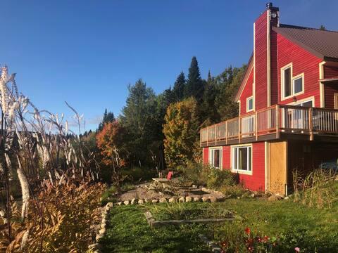 Vue sur montagnes, magnifique foyer, 100% nature!