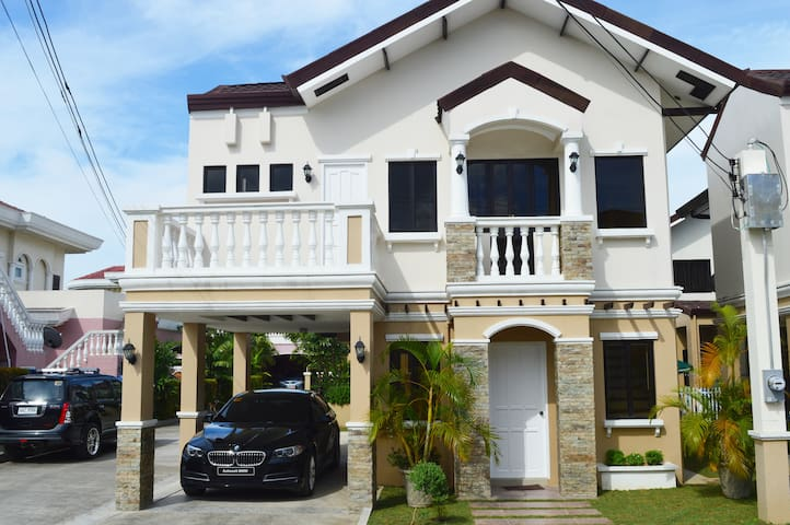 VACATION HOUSE BY THE SEA IN CEBU