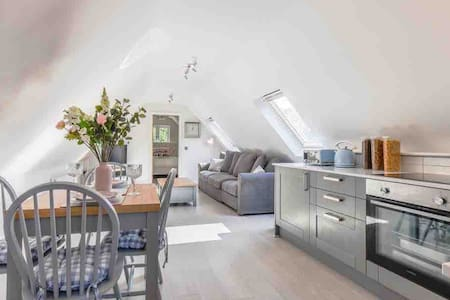 St Joseph's Barn - new, private Cotswold retreat