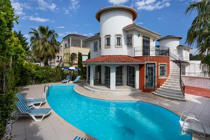 Amazing 2 BR Villa with Private Pool in Belek