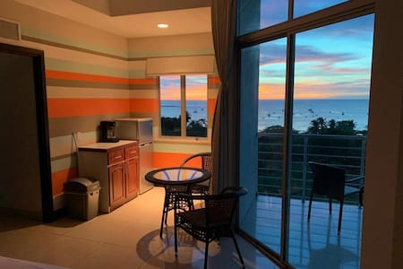 Vida Ocean View Penthouse Studio - Best Location