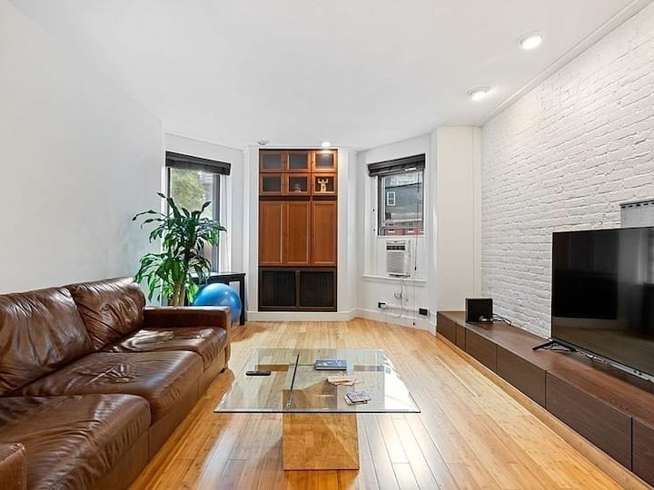 Luxurious BackBay Unit