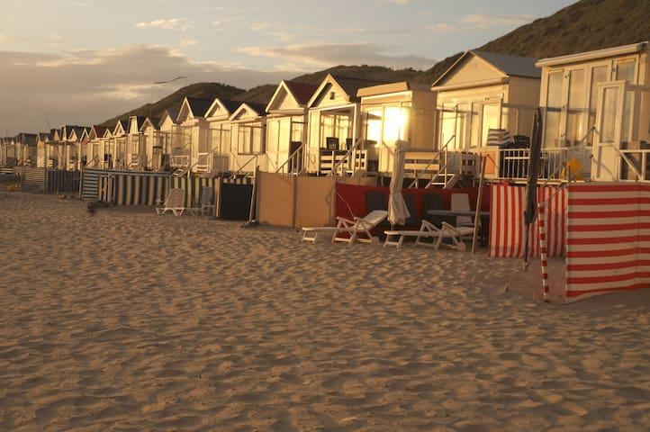 Uniek strandhuisje met alle voorzieningen (5 pers)