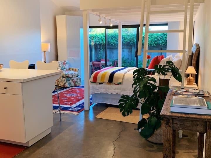 Bright, Airy Studio in Downtown Santa Barbara - C