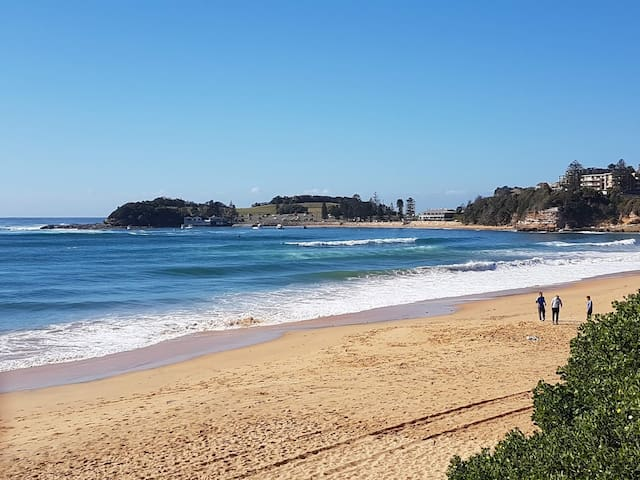 Walk-to-Terrigal  Beach - Townhouse