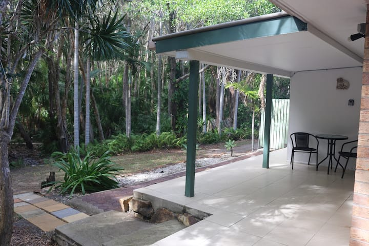 1A on Palms, Pet Friendly, 200 metres to Beach
