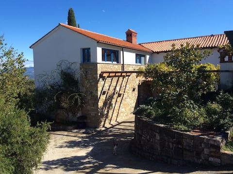 Olive House-Nest & Rest