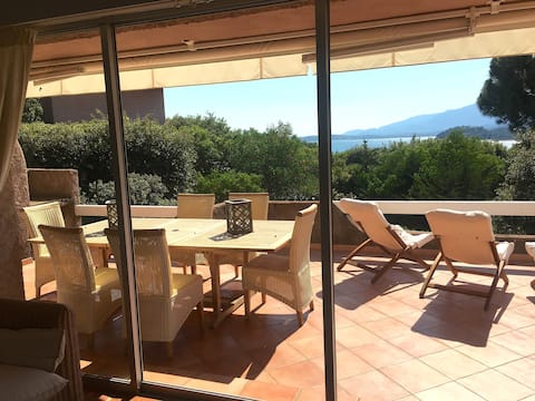 Villa vue mer plage à pied domaine de Cala Rossa
