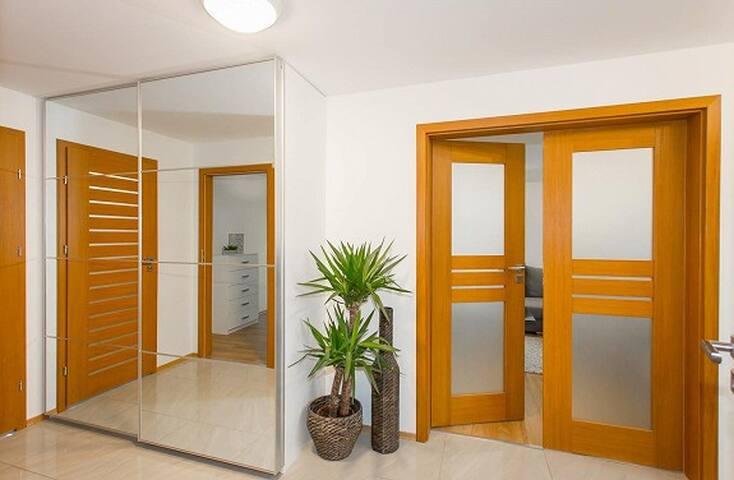 Moderne leilighet. Kort gange til sentrum/strender - Mandal - Lägenhet