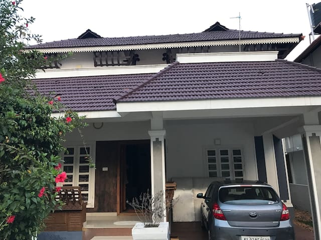Brand new 4 BHK furnished villa - Aluva