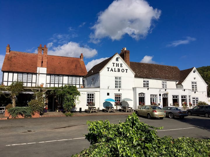The Talbot at Knightwick - Room: Fisherman's