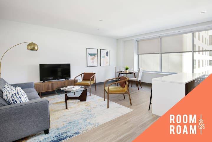 Room & Roam | Downtown | 1 BR + Pool & Gym
