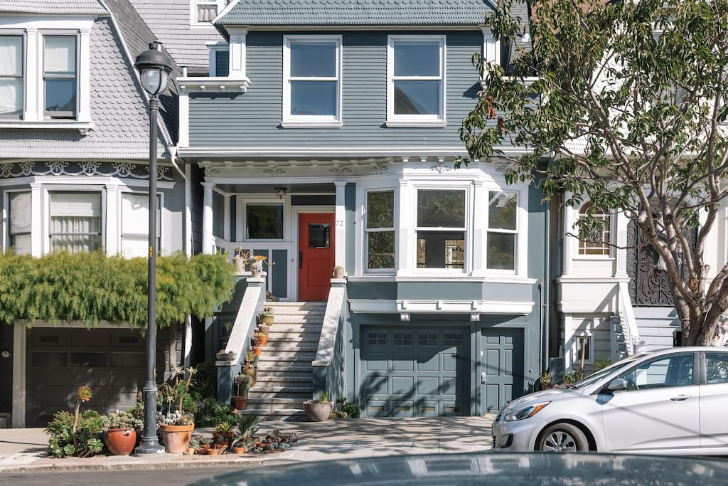 Classic San Francisco Victorian in Historic Neighborhood of Duboce Park