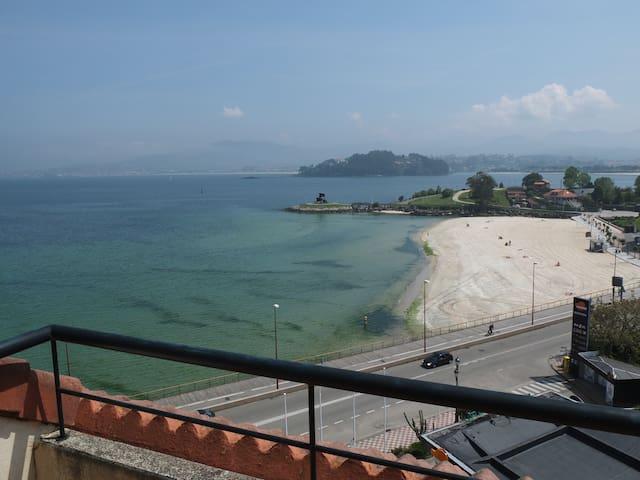Ático con terrazas en primera línea de playa. - Baiona - Byt