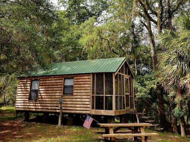 Cozy Riverfront Cabin 2
