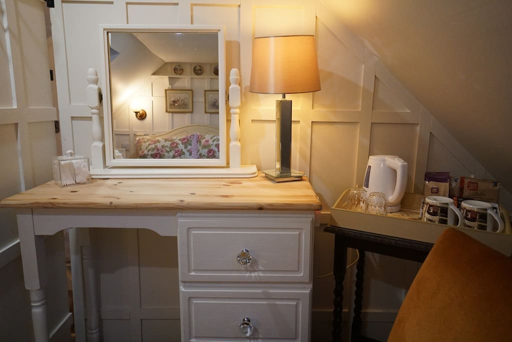 Dressing Table (Master Bedroom)
