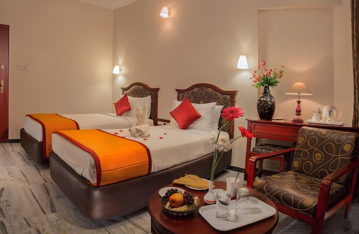 Bright & Stylish Room In Madurai With Parking