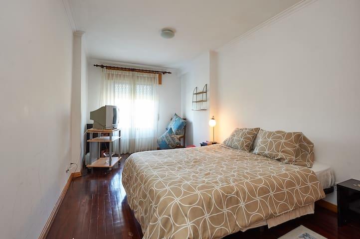 Quarto suite em Talaide perto do Tagus Park