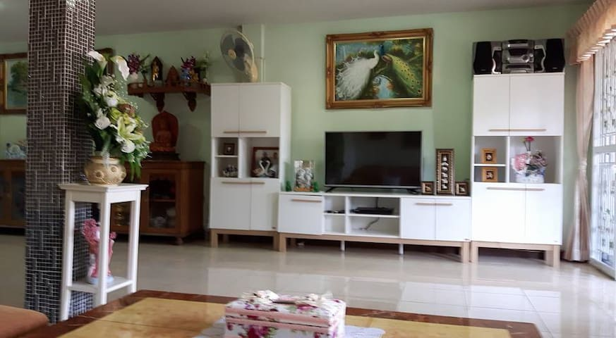 Private house, 30 min. from Bangkok centre - Bangkok - Penzion (B&B)