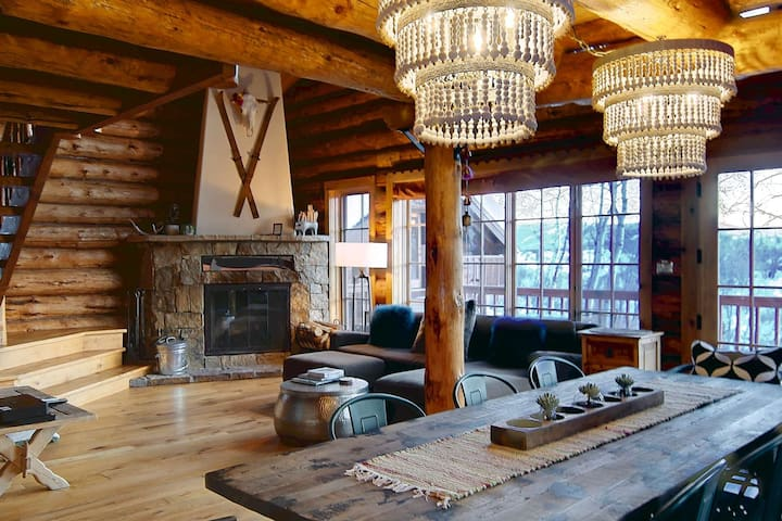 Dog Friendly Modern Log Home w/Amazing Views, Hot Tub, 3 Fireplaces, Game Room, Acreage, Just Listed