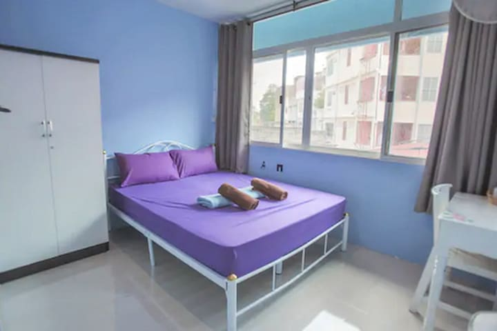 Private room near Khao San Road free breakfast