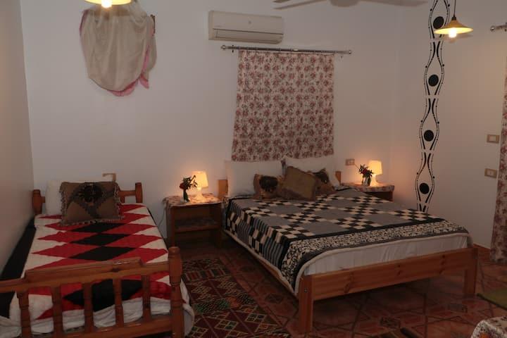 Amon Hotel Luxor - Triple Room