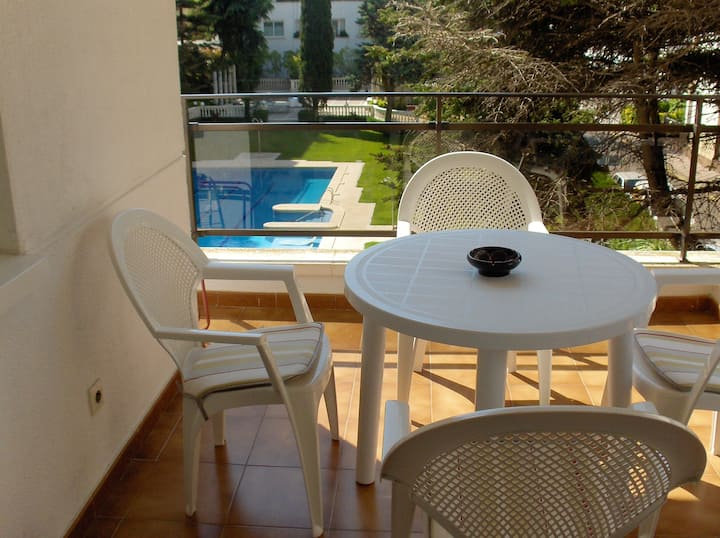Apartment with one bedroom in Lloret de Mar, with wonderful city view, shared pool and terrace - 500 m from the beach