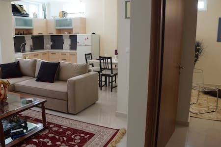 Stylish Spacious Apartment - Kalamata