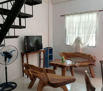 Apartment with Wi-fi, A/C and  Secured Parking