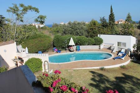 Villa avec beau jardin, piscine et vue mer - Luz - Casa de camp