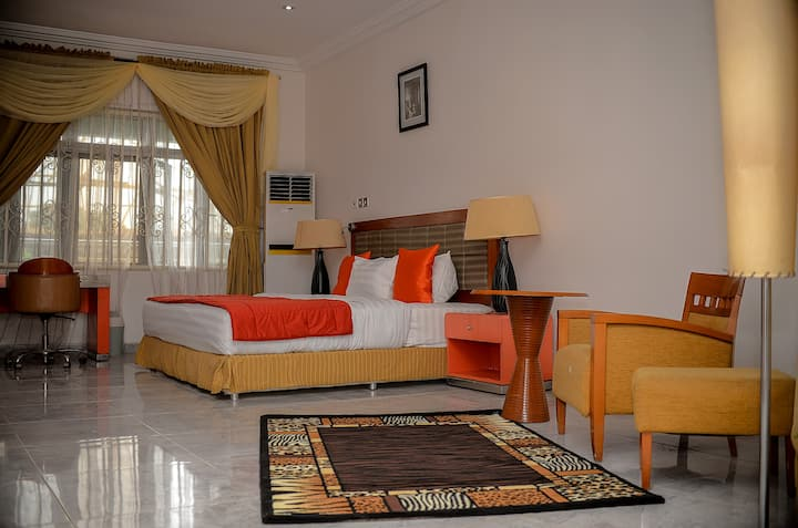 Superb 1-Bedroom Penthouse (Presidential suite)