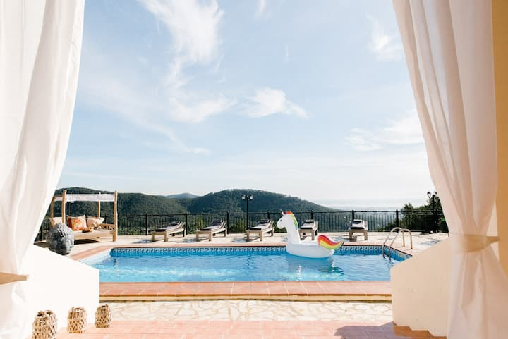 Luxury sea-view villa***** with DJ equipment