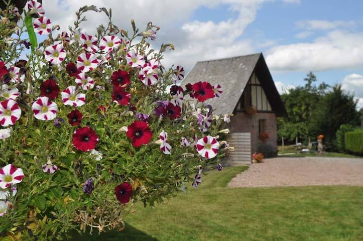 Romantic holiday home in the Calvados!