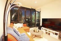 Southbank stylish apt with Karaoke system 5 mins to Crown Casino