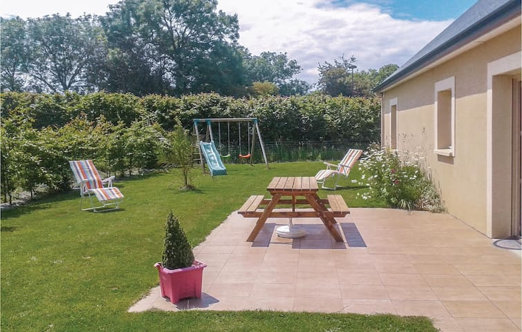 Holiday cottage with 3 bedrooms on 90 m² in Colleville-sur-Mer