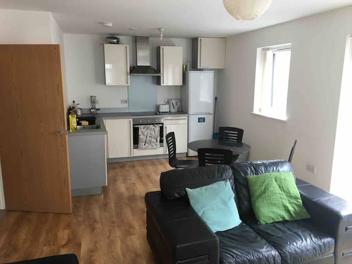 3 Bedroom modern apartment in Ancoats with parking