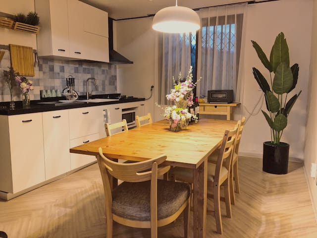 Ch 0. Modern and Cozy house near Seoul Station