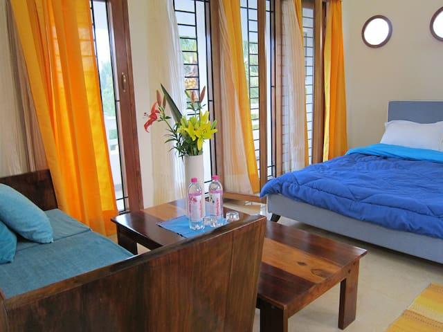 Villa 31, 2 Rooms / Common Pool & Ocean View Deck