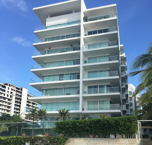 Spectacular Oceanfront Condo in Cartagena! - La Boquilla - Appartement