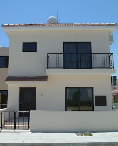 Luxury 2 bedroom villa with pool in Kiti, Larnaca