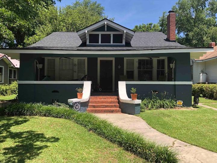 Blue House near I-95&20; 4b/2b; 30+day rental