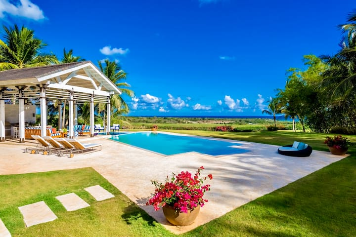 Mediterranean Style Villa with Scenic Views