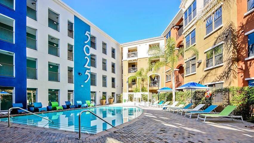 Spacious, Cozy, & Comfortable Apartment Near SDSU! - San Diego