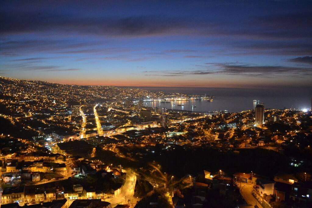 Vista azotea del edificio, si tienen tiempo, un lugar ideal ir a mirar el atardecer panorámico del Puerto de Valparaíso, áreas comunes